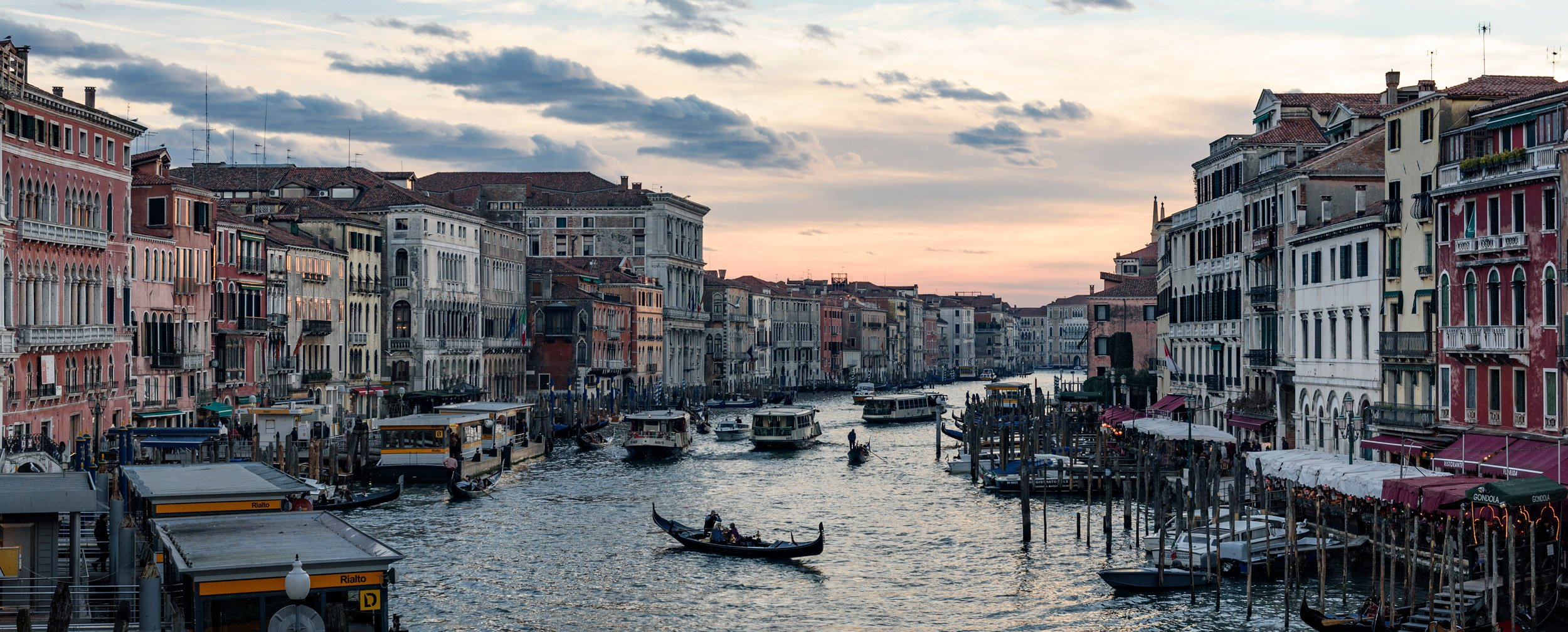 venice italy photographer photographs the grand canal in Venice