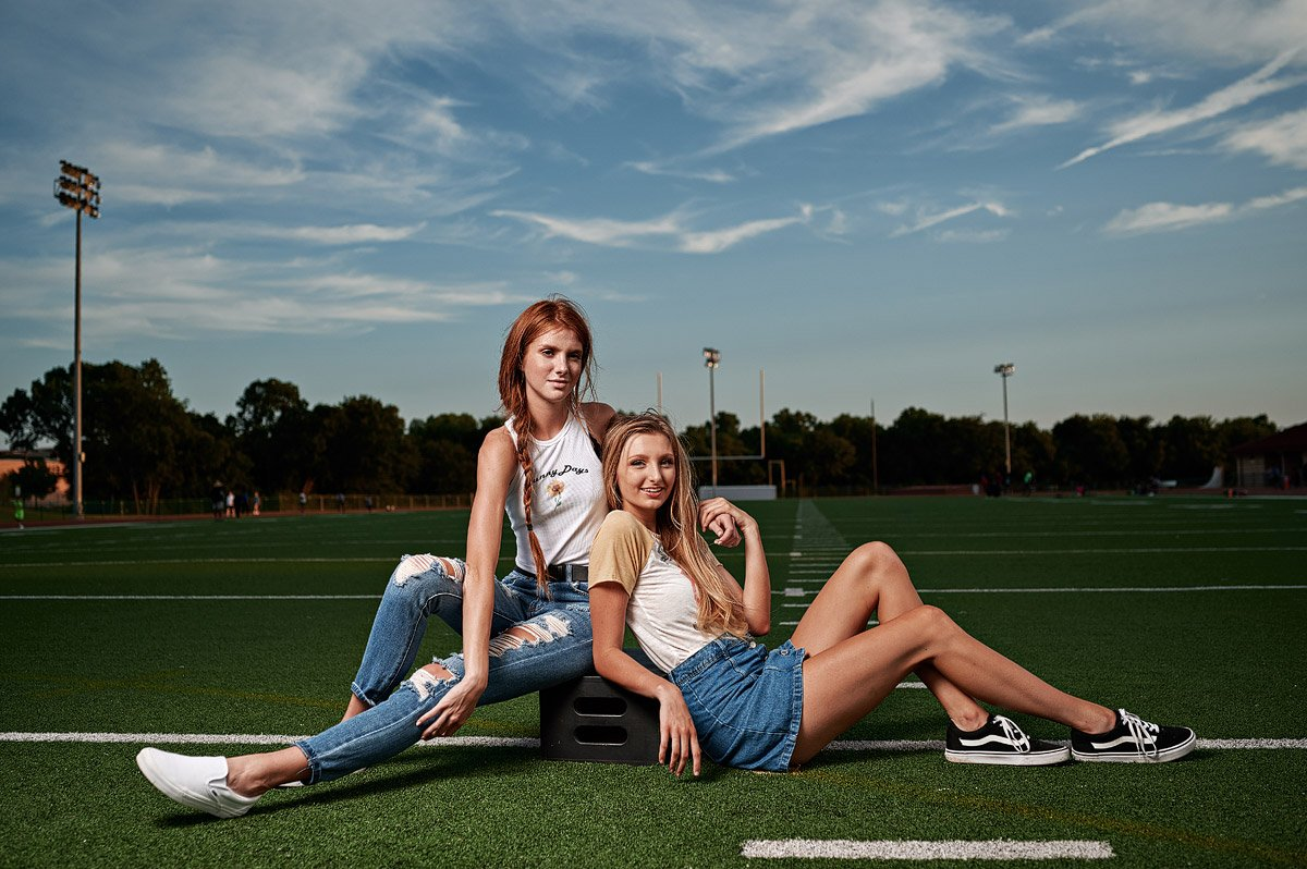 friends senior pictures of cheerleaders at allen high school in tshirts